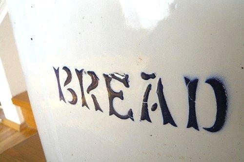 ブレッド缶 文字