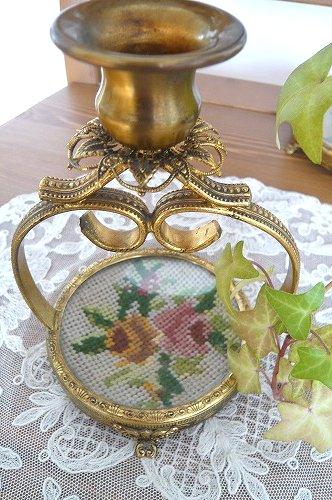 真鍮とプチポワンのキャンドルスタンド