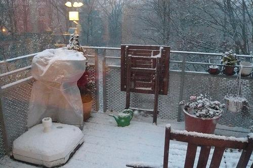 雪景色ベランダ