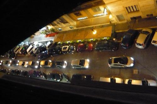 ローマ ホテルの窓から渋滞