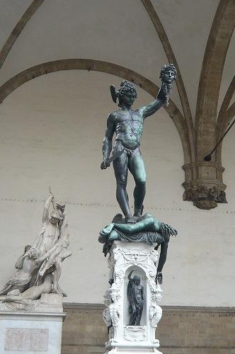 ウフィッツィ 彫像2