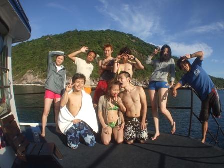 ボート上記念撮影