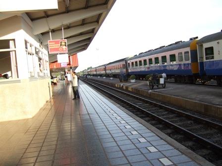 らおすノンカイ駅