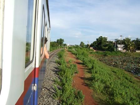 ラオス鉄道3