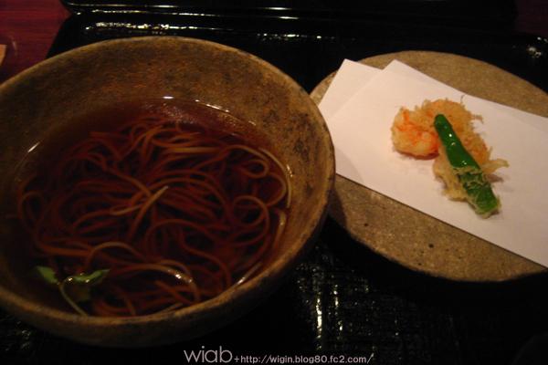 あったかい蕎麦と海老の天ぷら★ 海老はぷりぷり。