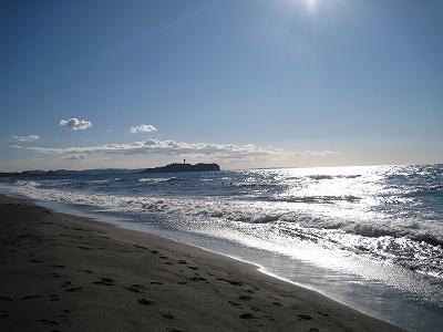 振り返れば江ノ島