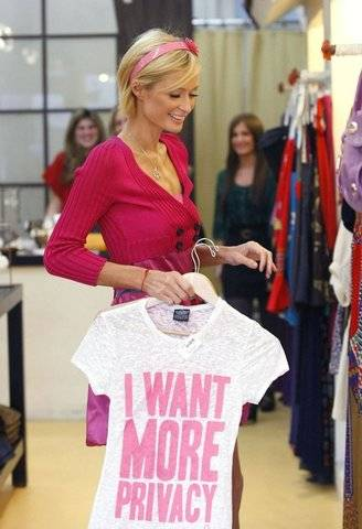 Paris Hilton - shopping at Harmony Lane i want more