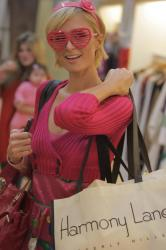 Paris Hilton - shopping at Harmony Lane b1