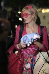 Paris Hilton - shopping at Harmony Lane b3