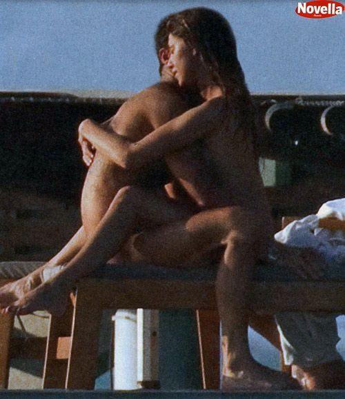 Belen Rodriguez - Nude Maldives candids 1