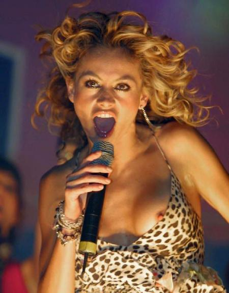 Paulina Rubio - Nip Slip Wild1