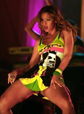 Beyonce-2005-3-Sexy-1.jpg