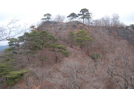 稜線からの鍋足山