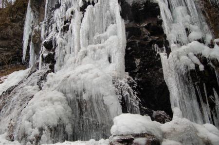 スッカン沢の氷壁