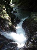 15m斜滝を上から32