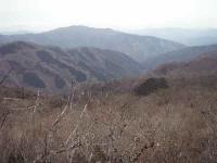 上の小屋谷を見下ろす