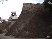 石垣のラインと城