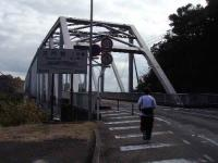 1号橋を渡る