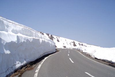 雪の回廊とまではいきませんね