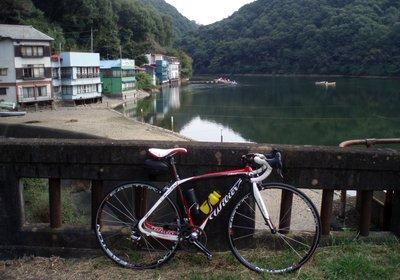 渇水気味な円良田湖