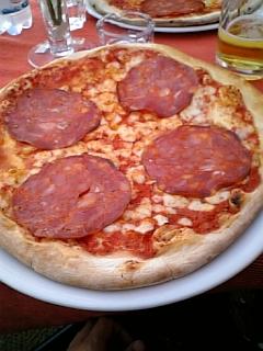 ローマのランチレストランピッツァ