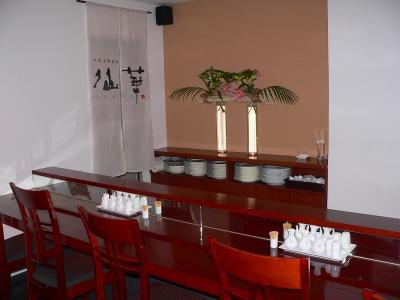 写真キャプション=11月末日まで【飲み放題5250円】の特別プランを実施している中国海鮮料理「仙華」