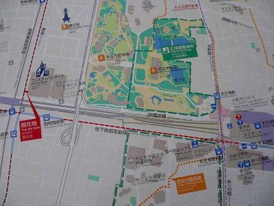 写真キャプション=「フェスティバルゲート」の立地を示した案内地図