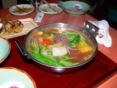 写真キャプション=天神橋筋で東京から来た客人と食べた「はりはり鍋」