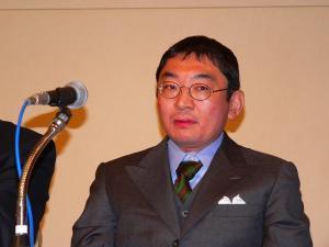 写真キャプション=パチンコ業界に詳しい弁護士の三堀清氏