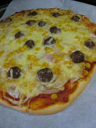 ミートボールピザ