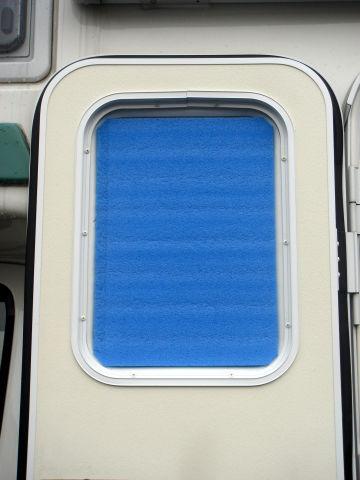 エントランス窓銀マット