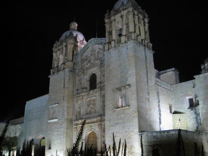 夜サントドミンゴ教会