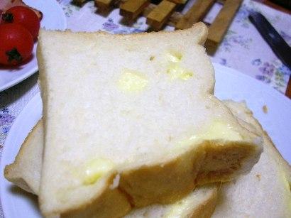 チーズ入り断面