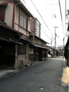 壬生:光縁寺から八木邸に向う路地