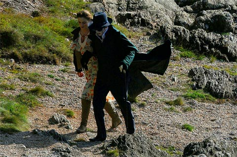 See_Johnny_Depp_Costume_The_Set_Tim_Burton_Dark_Shadows_1315957784.jpg