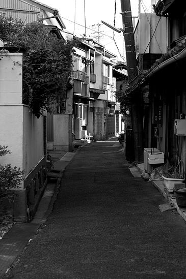 瀬戸モノクロ1-12