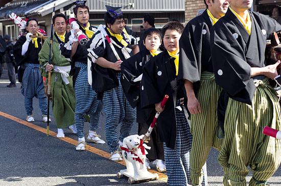 きねこさ祭行列の子供たち