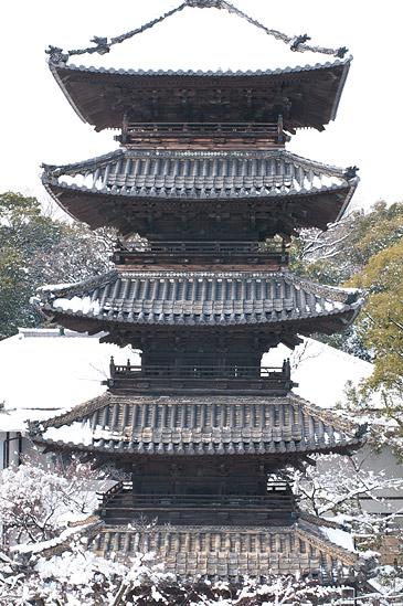 雪の興正寺-8