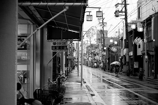 雨の商店街-8