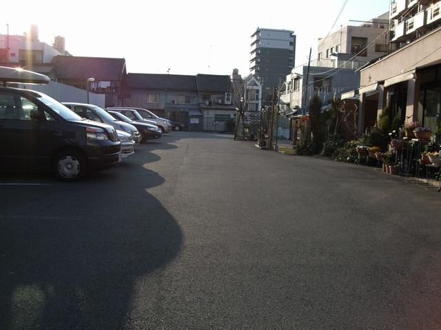 珈琲館 麗 駐車場02