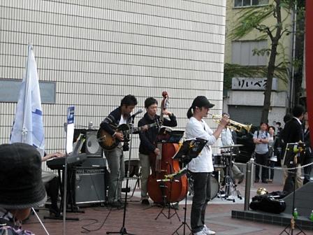 横浜ジャズプロムナード3863_edited